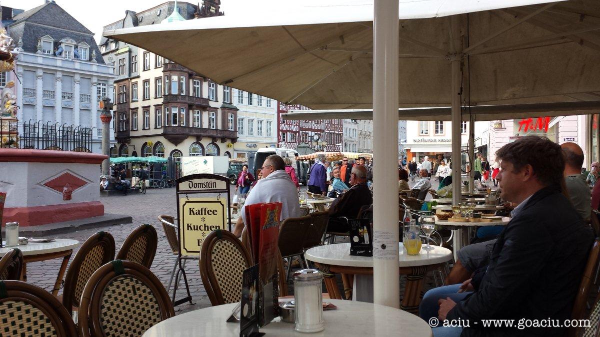 Break at a cafe in Trier